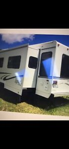 Topaz Travel Trailer 30 ft 5th Wheel