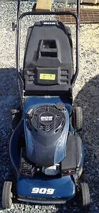 **For sale Four stroke Lawn Mower 909 - $90ono** Wellard Kwinana Area Preview