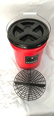 Swissvax Red  Bucket 5 Gallon with grit guard and screw on lid - Red Grit Guard