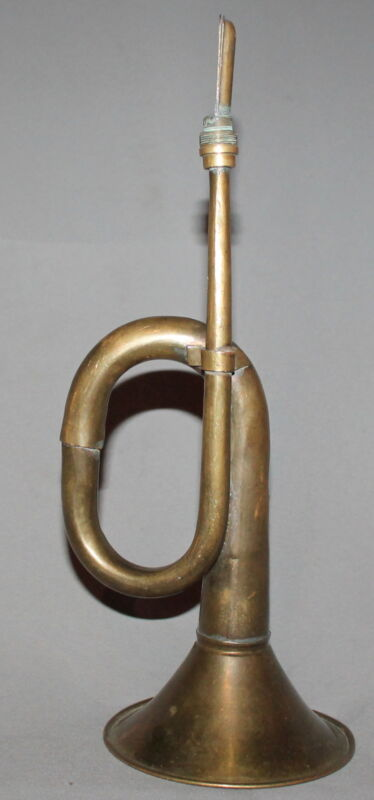 VINTAGE SMALL BRASS BUGLE HORN