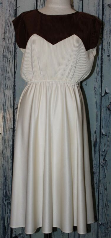 Vintage 60-70's Micro Pleated Chevron Brown Ivory White Blouson Dress S