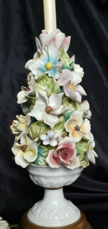 """VINTAGE CAPODIMONTE ITALIAN PORCELAIN FLORAL LAMP 31,5"""" ABSOLUTELY BEAUTIFUL"""