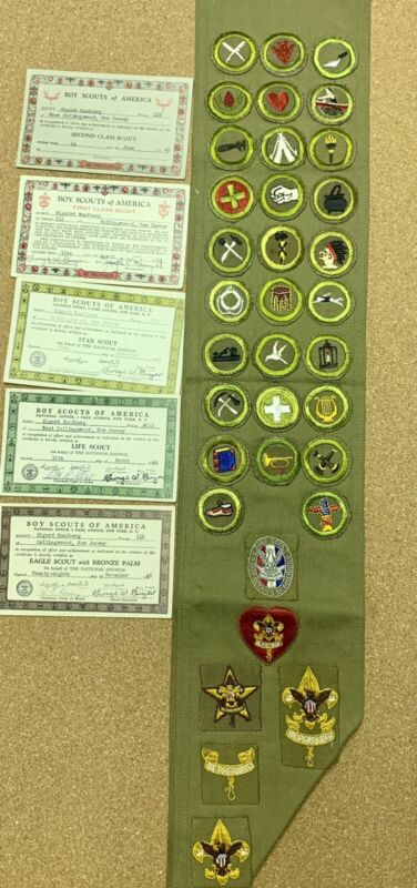 RARE 1942 TO 1945 BOY SCOUTS Of AMERICA EAGLE SCOUT MERIT BADGE SASH 29 BADGES