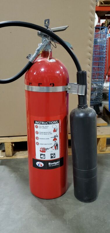 Badger 15lb CO2 Fire Extinguisher