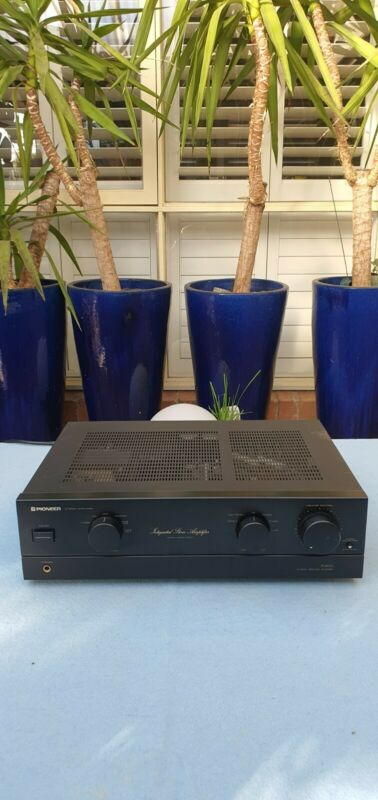 Pioneer A-400 Integrated Stereo Amplifier