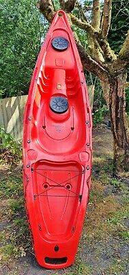 Kayak. Fatyak Kaafu. Sit on.