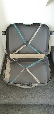 SAMSONITE Luggage Hardshell Suitcase on Wheels & Pull Handle. Key code lock.