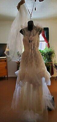VTG. WEDDING DRESS W/ HEAD VAIL, SZ  8, PATRICIA GREEN ,CHRISTINA ?. GORGEOUS