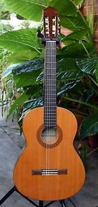 Yamaha Classical Guitar and carry bag Flynn Belconnen Area Preview