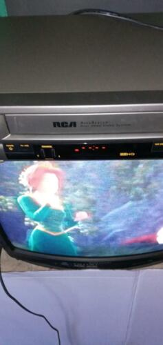 RCA VHS VCR recorder  UNIVERSAL REMOTE FULLY FUNCTIONAL 4 HEADS