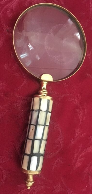 VINTAGE MAGNIFYING GLASS Lens Shell Inlay Handle Brass