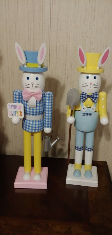Easter  Rabbits  Nutcrackers Bunnies Gingham Wooden