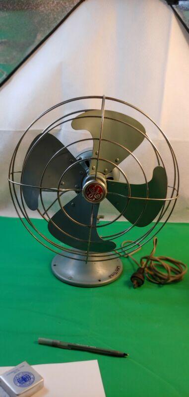 Vintage General Electric Oscillating Fan N.P.133780-B No.4, Blue 3 speed Works