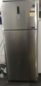 Samsung 466L fridge freezer in like new condition only 12 months old