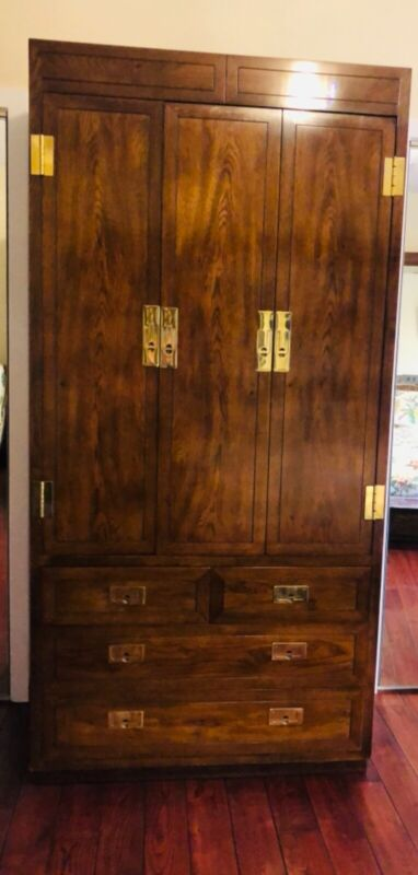 Henredon Bedroom Set. Multiple pieces as pictured.