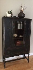 Vintage Solid Wood Hutch/China Cabinet/Book Case