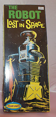 LOST IN SPACE POLAR LIGHTS THE ROBOT  MODEL MINT IN PACKAGE