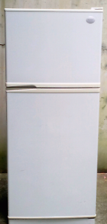 Large 440 Litre Fridge Freezer Sharp Frost Free