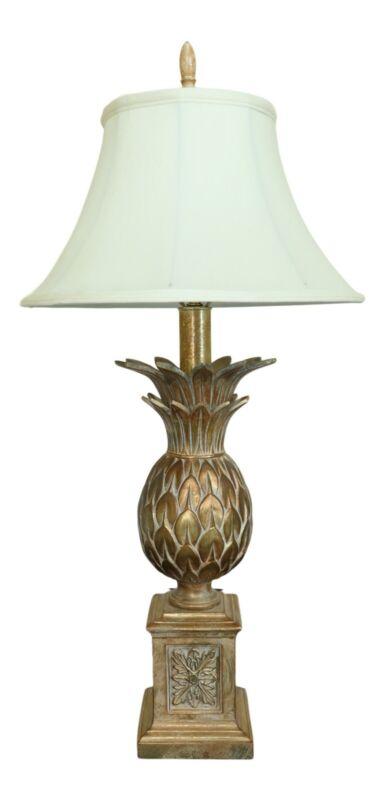 LF51118EC: Gold Finish Metal Pineapple Table Lamp w. Shade