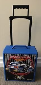 Hot wheels carrying case and cars
