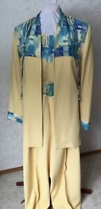 Ladies 3 pc pantsuit