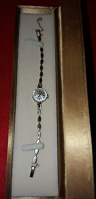 Estate vintage Omega Women's solid 14k gold watch and band Swiss, works