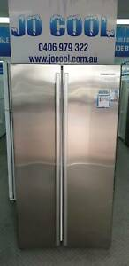 Westinghouse 606L Stainless steel double door fridge/freezer