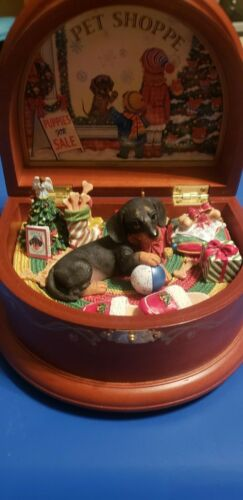 "Danbury Mint Dachshund MUSIC BOX Christmas Holiday ""Doxie in the Window"""