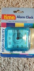 NIP NEW HIGH QUALITY TIME ALARM CLOCK BATTERY OPERATED BLUE DESKTOP