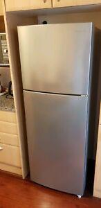 Samsung 296L top mount fridge in excellent condition