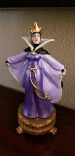Disney Snow White EVIL QUEEN Villain Footed Statue Sri Lanka Figurine
