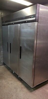 Maxx Cold 72-cu Ft 3-door Reach-in Commercial Refrigerator Model Mxcr72fd 1422