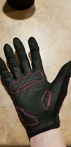 Cycling gloves - Dakine brand - womens size small St Clair Penrith Area Preview