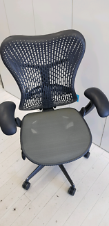 Herman Miller Mirra Office Chairs x 5 Chairs