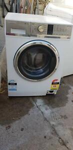 F&P 7.5kgs Front Loader Washing Machine