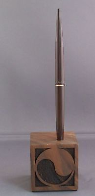 Parker Walnut Desk Cube with brown  jotter ball pen-Yin and Yang-brown pen