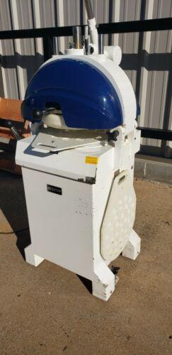 Doyon DSF030 30 Piece Dough Divider/Rounder