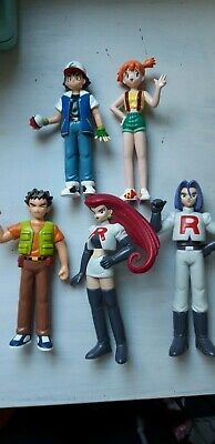 POKEMON Tomy Figures Ash, Brock, Misty, Jessy & James. RARE 1998 - WITH STANDS
