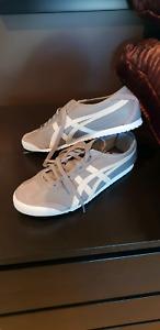 Asics Mens Shoe Size 9
