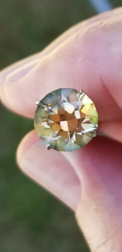 Green and light Red (Dichroic) Oregon Sunstone 3.6 ct, Flawless