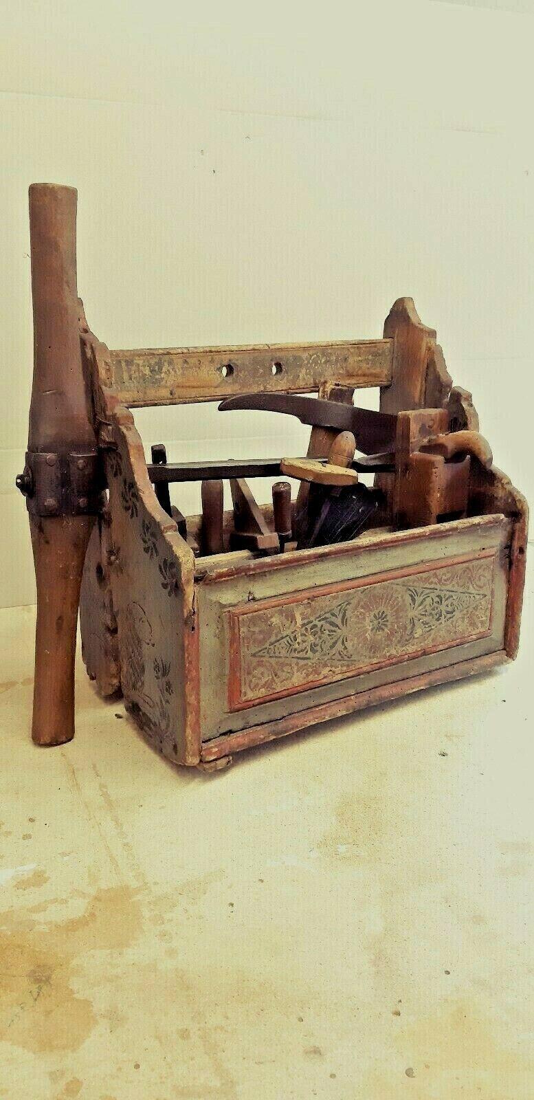 uralte Werkzeugkiste aus Holz mit Malerei,mit Werkzeug,ca1880, Schreinerkiste