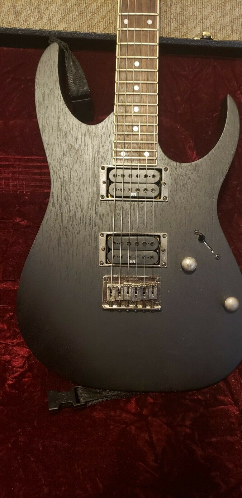 IBANEZ RG321MH ELECTRIC GUITAR In Flat Black With Hardshell Case - $157.50