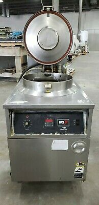 Bki Commercial Pressure Fryer Fkm-f 208v 3p Chicken Fryer With Basket Power On