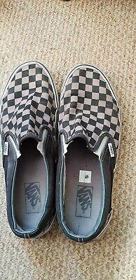 Vans mens checkerboard classic slip on size 9 black n grey