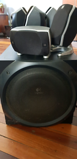 Logitech z-5500 sub woofer 5 speaker surround sound digital