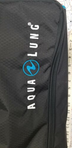 AQUALUNG Carry On Travel Bag T7