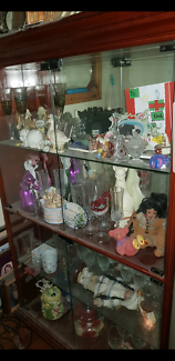 LARGE DISPLAY CABINET IN PERFECT CONDITION