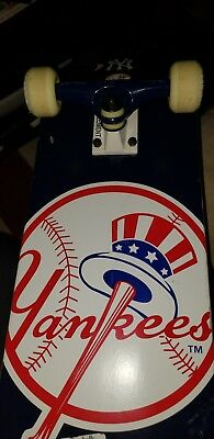 ELEMENT MLB NEW YORK YANKEES SKATEBOARD COMPLETE-7.75