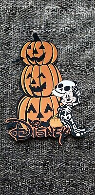 Disney page title Mickey Disney  Halloween printed title