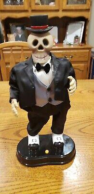 Gemmy 1998 Hip Swinging Skeleton Top Hat Tuxedo RARE Animated Puttin on the Ritz